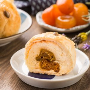 Yilan County Golden Dates Mooncake