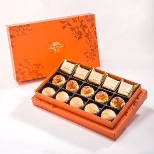 【Orange Gold】15 pcs Gift Box★Pineapple Cake*5 + Salty Yolk Mung Bean Mooncake*5 + White Bean And Mung Bean Mixed Mooncake*5