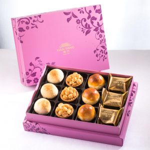 【Royal Purple】12 pcs Gift Box★Pineapple Cake*3+ Salty Yolk Mung Bean Mooncake*3+ Golden Duel Beans Mooncake*3+ Macadamia Tart*3