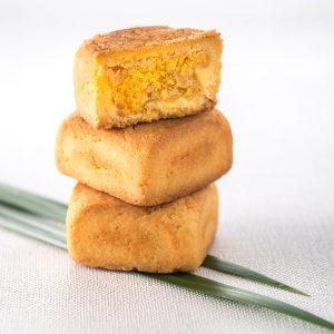 鳳梨餡與蛋黃鬆軟入口香濃綿密【鳳凰酥】蛋奶素